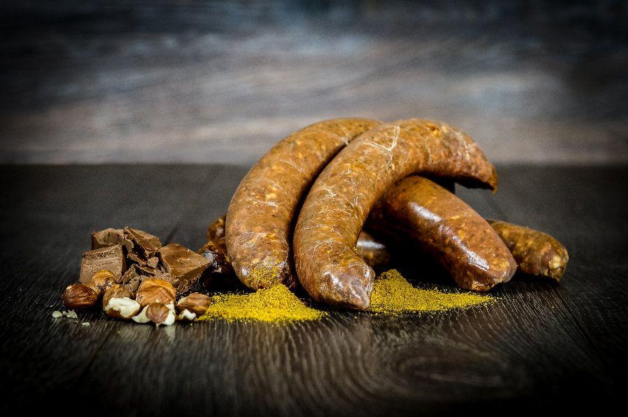 Tobias Süße - knackige Bratwurst mit Schoko und Curry. Vollmundig und schmackhaft!